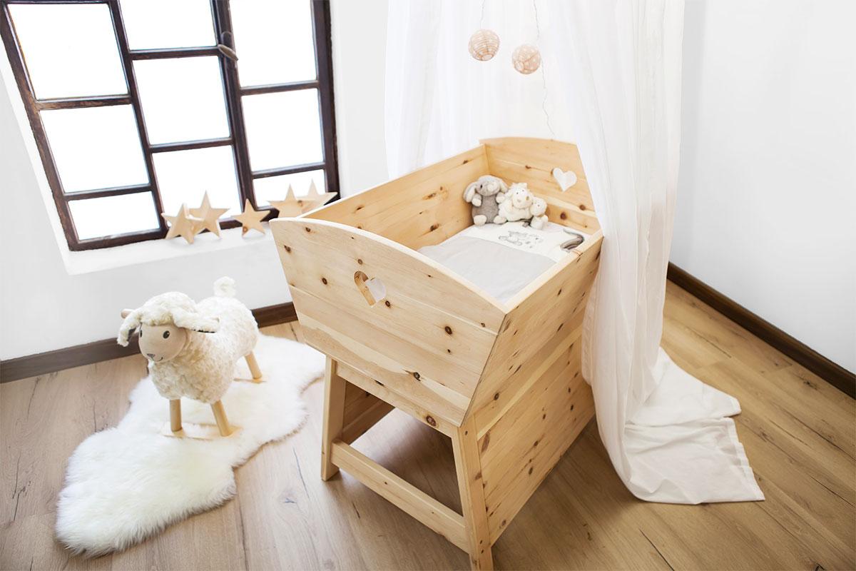 Ruhiger babyschlaf im zirbennest familie nimmerland